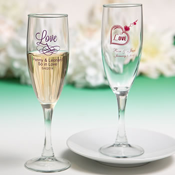 Personalized Champagne Flutes with Exclusive Designs