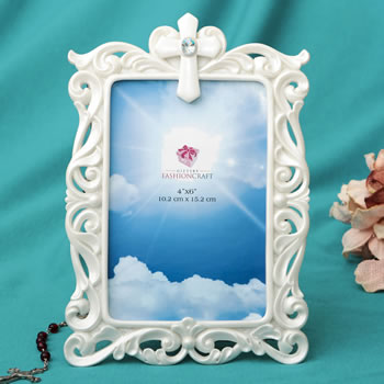 Stunning Pearl white Cross frame - 4 x 6 from Gifts By fashioncraft