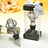 Bejeweled vintage broach bottle stopper from the <i>Premier Favor Collection</i>